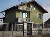 Двуетажна къща с къща за гости близо до Бургас
