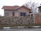 Къща с голям двор близо до Бургас