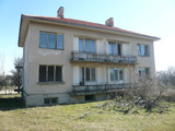 Solid 3-storey building 20 km from Belogradchik