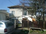 Просторна къща с голям двор на 3 км от Дунава