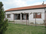 Detached house with plunge pool and guest house near Plovdiv
