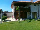Реставрирана къща с двор край спа курорт Хисаря