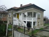 Двуетажна къща само на 33 км от г. Видин