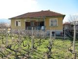 Панорамна еднофамилна къща с двор край Асеновград