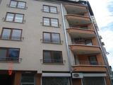 Модерен тристаен апартамент в Лазур