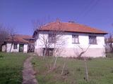 Хубав селски имот сред тишина и спокойствие