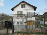 Nice two-storey villa with garden in Sredna gora