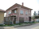 2-storey house with summer kitchen and yard in Parvomai