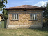 Solid built house in a village 35 km from Ruse and the Danube River