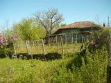 Малка къща с пристройка в село само на 15 км от Велико Търново
