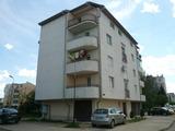 Обзаведен тристаен апартамент с мазе и гараж в кв. Бонония