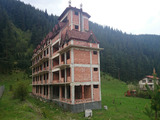 Хотел на груб строеж в близост до Боровец