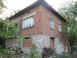 Two-storey house with yard in Kuklen