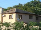 Напълно ремонтирана и обзаведена къща на 35 км от Разград