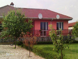Едноетажна къща в село Дебрене