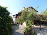 Реновирана, автентична българска къща в планинско село на 28 км от Велико Търново