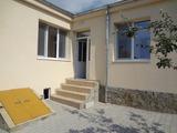 Ремонтирана къща-близнак в град Средец