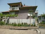 Красива селска къща с голям двор на 45 км от Велико Търново