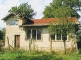 Тухлена едноетажна къща в село на 12 км от град Трявна