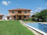 Нова къща с двор и басейн на 13 км от Асеновград