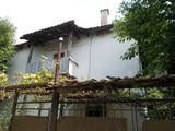 Old house with two plots and barn near Sandanski and Melnik