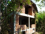 Къща за продажба на груб строеж