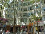 Двустаен апартамент в супер център на Бургас