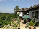 Typical BulRenovated and fully furnished rural property in the heart of the mountaingarian house 30 km from Veliko Tarnovo