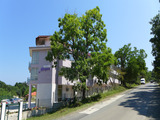 Работещ хотелски комплекс на 150 метра от морето в гр. Царево