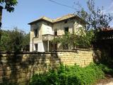 Двухэтажный дом в живописном месте около Велико Тырново