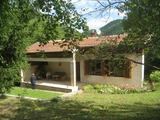 Вила с живописна локация в Софийска област