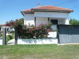Хубав имот в село на 10 км от Видин