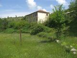 Бивше училище с архитектурен проект за жилищна сграда