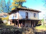 Автентична Възрожденска къща с каменни плочи, на 8 км от Габрово
