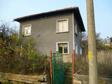 Двуетажна къща с двор в с. Драшан на 40 км от гр. Враца