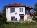 Дом между городами Пловдив и Стара Загора
