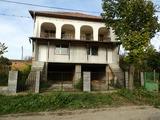 Новопостроена къща с голям двор на 15 км от Видин