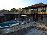 Две реновирани къщи с басейн и барбекю, на 20 км от В. Търново