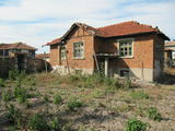 One storey house with yard in Iskra village, 45 km from Plovdiv