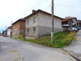 Хубава стабилна къща с двор до ски курорти Банско и Добринище