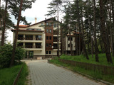 Apartments and shops in Pine Park complex in Velingrad