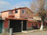 Двухэтажный дом с двором и гаражом в СПА курорте Хисаря