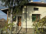 Двуетажна къща с двор на 20 км от София