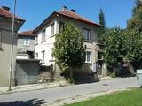 Втори етаж от градска къща, на 24 км от Велико Търново