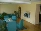 Двуетажна къща с поддържан двор в град Видин