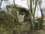 Стара Възрожденска българска къща, на 12 км от гр. Габрово