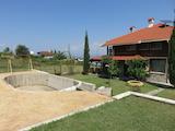 Луксозна двуетажна къща на 50 км от Пловдив