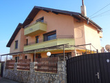 House in Marinka suitable for family business
