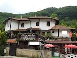 Уютен хотел с басейн с минерална вода в сърцето на Стара планина