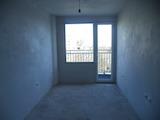 Новопостроен двустаен апартамент в кв. Лазур